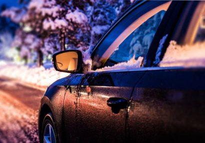 اینفوگرافی  چرا درجا گرم کردن خودرو در زمستان اشتباه است!؟
